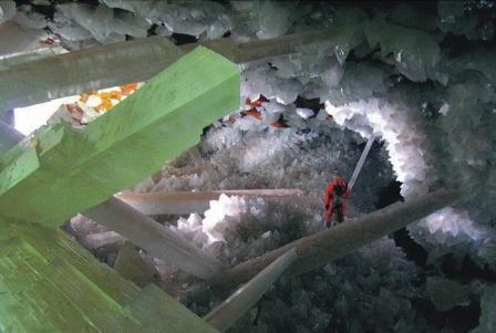 Giant Crystal Cave, Mexico. Gypsum crystals. topworldtourism.com.
