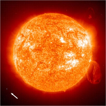 The size of the Erath compared to the size of the Sun. Photo: