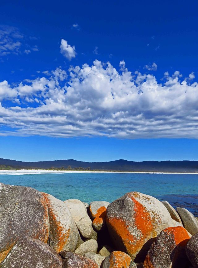 Binalong Bay, Bay of Fires, Tasmania. Photo: David Clode.